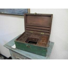 groen houten kist 14w47u