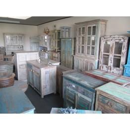 Brocante meubels in grote getale